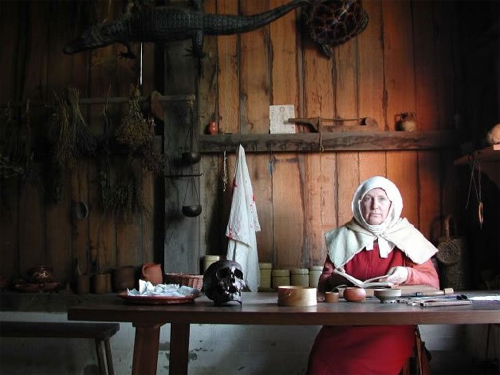 Middeleeuwse Apotheekster